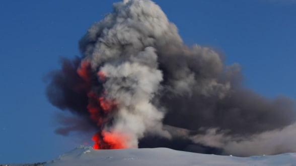 Marea Britanie vrea curent de la vulcanii din Islanda