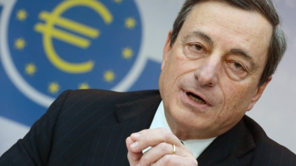 Mario Draghi: BCE monitorizeaza riscurile provocate de inflatia scazuta