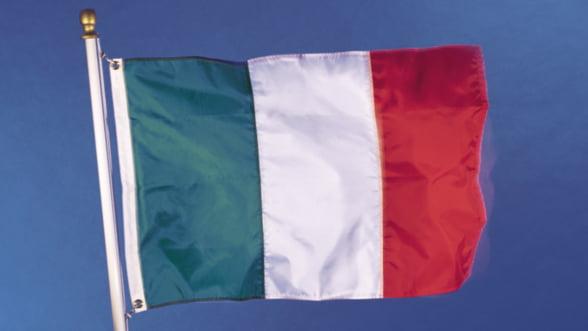 Mario Monti: Italia a invins criza fara ajutor extern