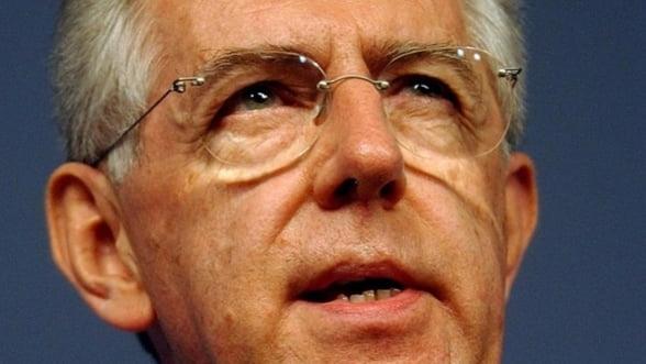 Mario Monti vrea sa demisioneze de la sefia guvernului italian, din cauza lui Berlusconi