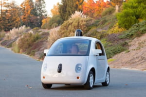 Masina Google care se conduce singura a facut accident - Oficial american: Nu a fost o surpriza