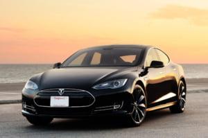 Masina electrica Tesla Model S, controlata de hackerii chinezi