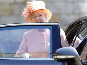Masina speciala pentru palaria reginei Elisabeta