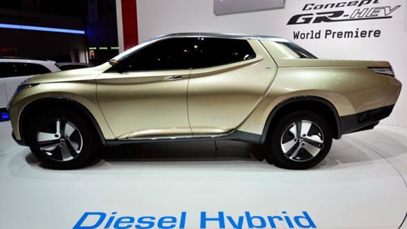 Masina viitorului, varianta pick-up: Motor hibrid si economie la combustibil