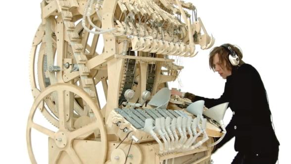 Masinaria orchestra, un gadget mecanic pe care il vrei pentru tine