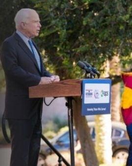 """McCain ataca Rusia: Putin nu e interesat sa fie partenerul SUA. Siria e ca un """"exercitiu de tragere"""""""