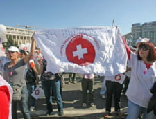Medicii ameninta cu greva generala