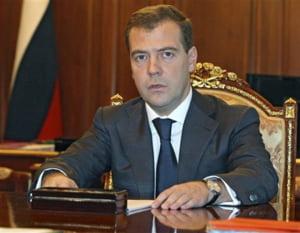 Medvedev ameninta companiile de stat: va privatizati sau va inchidem!