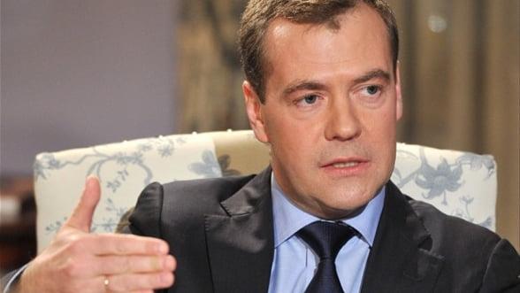 Medvedev avertizeaza: Economia Rusiei risca sa cada in prapastie fara reforme
