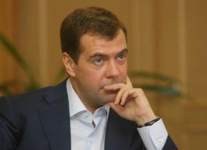 Medvedev cere o reforma a FMI si a Bancii Mondiale