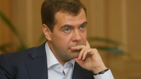Medvedev pledeaza la summitul BRIC pentru reformarea FMI