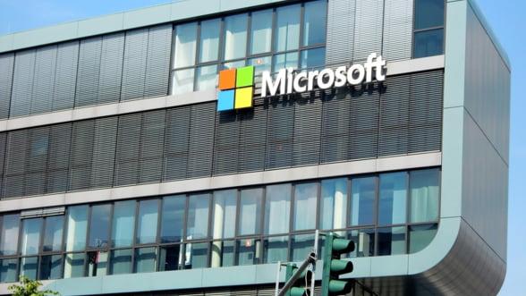 Mega-contractul Pentagonului cu Microsoft: Amazon il acuza pe Trump ca a facut presiuni