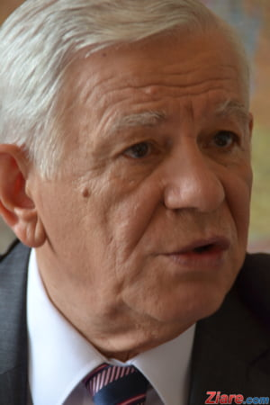 Melescanu isi da demisia de la MAE: Nimeni nu a fost impiedicat sa voteze