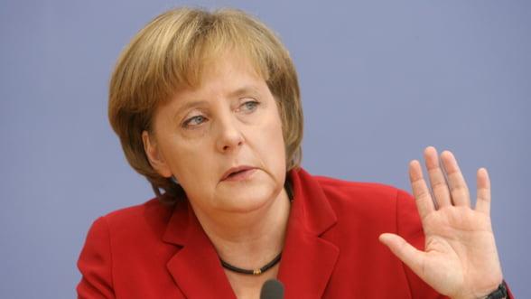Merkel: Solutia la criza datoriilor este cresterea atributiilor institutiilor europene