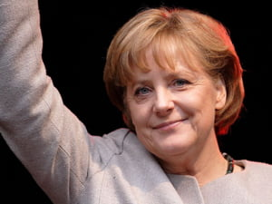 Merkel, dispusa sa recapitalizeze bancile