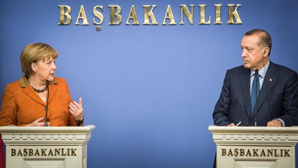 Merkel-Erdogan, dragoste subita pe bani europeni. Cat va costa intelegerea Europei cu Turcia