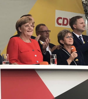 Merkel a fost vizata de peste 1.000 de plangeri pentru inalta tradare, dupa criza refugiatilor
