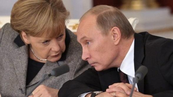 Merkel si Putin negociaza in secret: Crimeea in schimbul gazelor