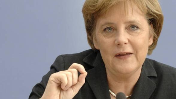 Merkel vrea organizarea unui referendum in Grecia privind zona euro
