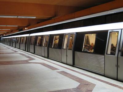 Metrorex introduce la 1 ianuarie abonamentul saptamanal