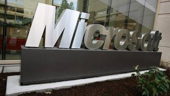 Microsoft: Venituri in scadere, profit peste asteptari