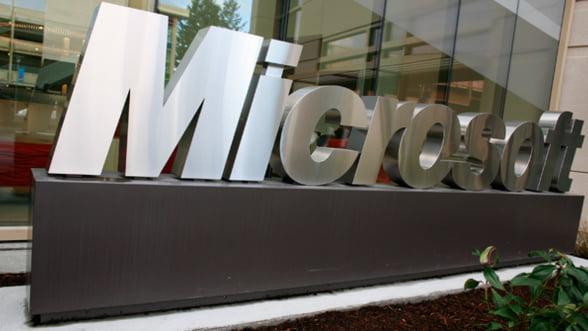 Microsoft, silit sa reduca preturile la ofertele cloud