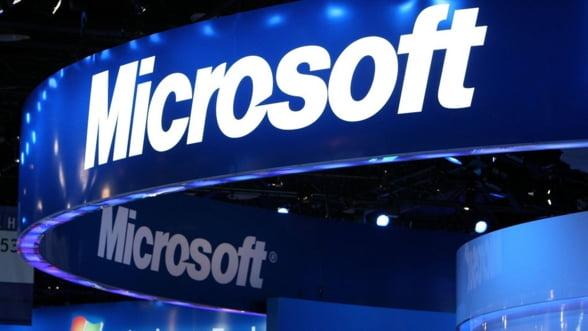Microsoft a finalizat preluarea diviziei de telefoane a Nokia