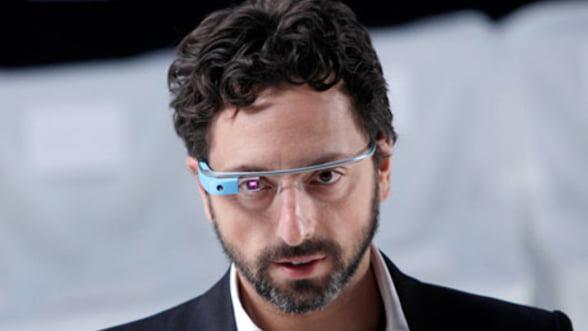 Microsoft testeaza prototipuri pentru ochelari inteligenti similari Google Glass