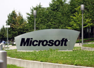 Microsoft vrea sa infiinteze 4.000 de locuri de munca