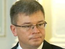 Mihai Razvan Ungureanu a demisionat de la sefia SIE