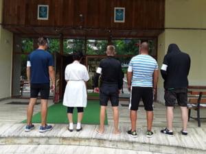 Mii de angajati ai Ministerului Tineretului si Sportului sunt in greva japoneza (Video)