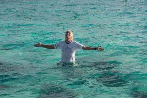 Miliardarul Richard Branson, atacat de o pisica de mare