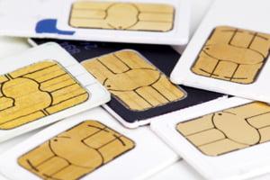 Milioane de SIM-uri au fost gasite aruncate la gunoi, in spatele unui bloc in Bucuresti