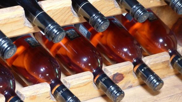 Milioane de litri de vin rose spaniol au fost vandute ca vin frantuzesc