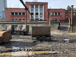 Minerii de la Lupeni au renuntat la protest, dupa ce au fost anuntati ca isi vor primi banii restanti