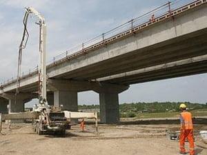 Miniautostrada lui Boc se face doar daca nu se strica vremea