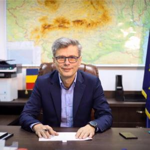 """Ministrul Economiei, despre legea care interzice valorificarea participatiilor statului: """"De la CFR Marfa nici macar vagoane vechi nu se mai pot vinde"""""""