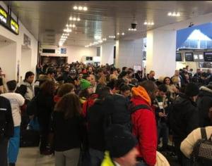 Ministrul Transporturilor, revoltat de serviciile oferite calatorilor pe Aeroportul Otopeni: Trebuie intervenit de urgenta!