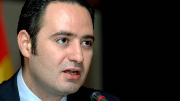 Ministrul Transporturilor a cerut verificarea licitatiilor din 2008 pentru intretinerea drumurilor