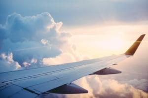 Ministrul Transporturilor va propune suspendarea zborurilor spre si dinspre toate tarile aflate in zona rosie