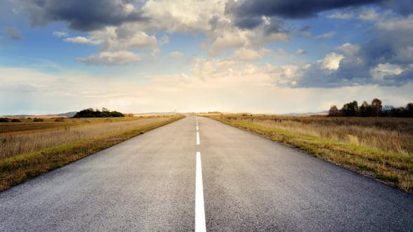 Ministrul Transporturilor vrea modificarea Legii achizitiilor pentru a accelera licitatiile CNADNR