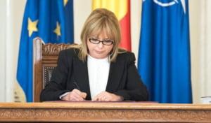 Ministrul de Finante crede ca Romania trebuie sa profite de problemele Poloniei pentru a-i lua locul