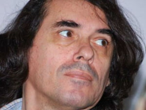 """Mircea Cartarescu, in turneu international pentru promovarea cartii """"Die Flugel"""""""