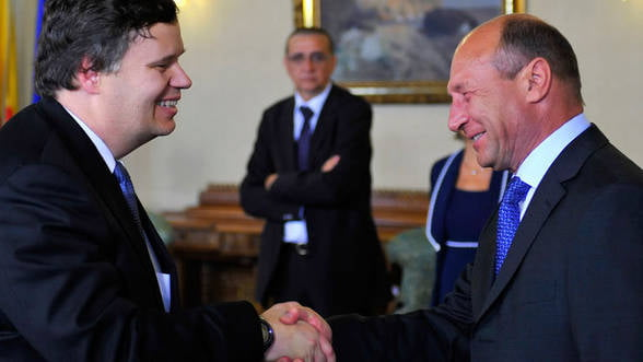 Misiune imposibila pentru Basescu: Sa convinga FMI de cresterea salariilor