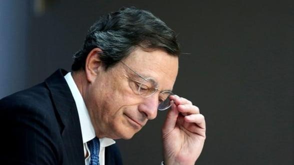Miza sedintei BCE: Planul de salvare a zonei euro si credibilitatea lui Draghi