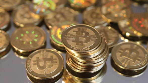 """Moneda virtuala Bitcoin, criticata dur de """"Dr. Doom"""""""