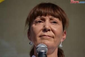 Monica Macovei: Asistam la o inscenare. Se urmareste comasarea DNA cu DIICOT