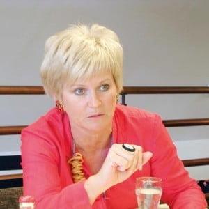 Monica Tatoiu renunta la functia de director general al Oriflame Romania