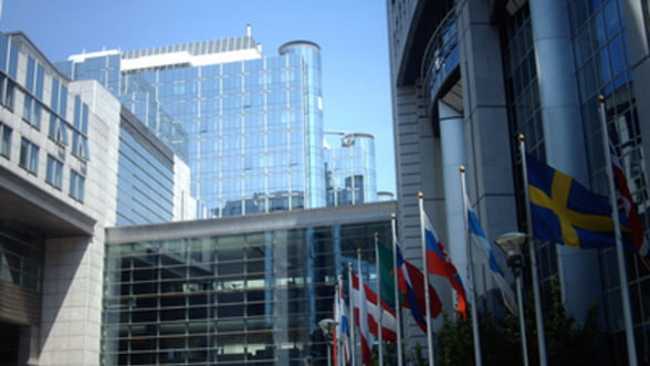 Moody's: Fondul de salvare european sub perspectiva negativa