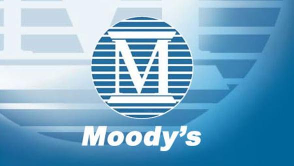 Moody's: Perspectiva ratingului Romaniei include incertitudinile politice